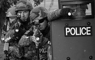 320px-SWAT_team