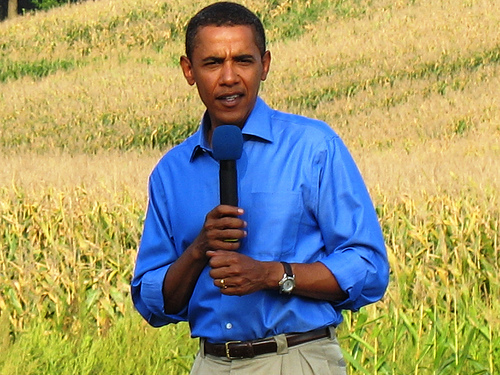 Barack Obama blue shirt SC Obama looks to retain upper hand as fiscal talks resume in Washington
