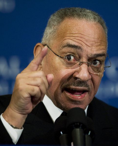 Jeremiah Wright finger SC Romney Is Wrong on Wright