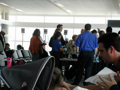 TSA employees 2 SC 44 TSA Workers At Newark Face Firing Or Suspension