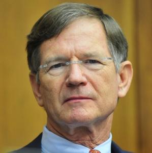 lamar smith42819 Federal Appeals Court Ignores Rule of Law, Defers to White House on Deportation Cases