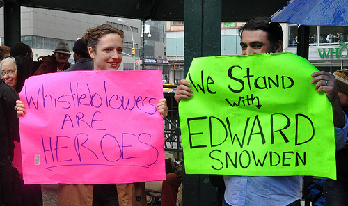 Edward Snowden SC Snowden pardon petition passes 100,000 signatures