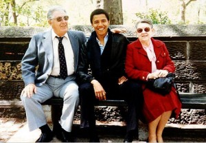 obamawithgrandparents floating hand 300x208 Obama Picture Mystery