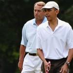 US President Barack Obama (R) and Republ