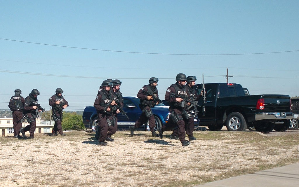 1024px-Flickr_-_The_U.S._Army_-_SWAT_Teams_at_Fort_Hood