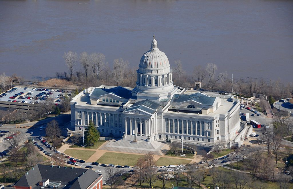 1024px-AP_of_Missouri_State_Capitol_Building