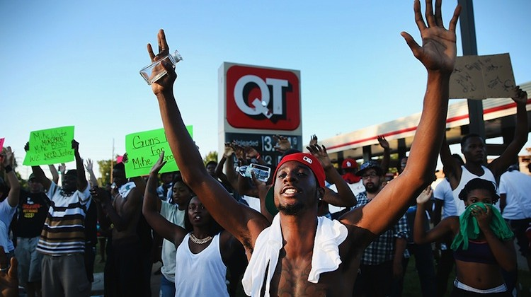 US-OUTRAGE-IN-MISSOURI-TOWN-AFTER-POLICE-SHOOTING-OF-18-YR-OLD-M