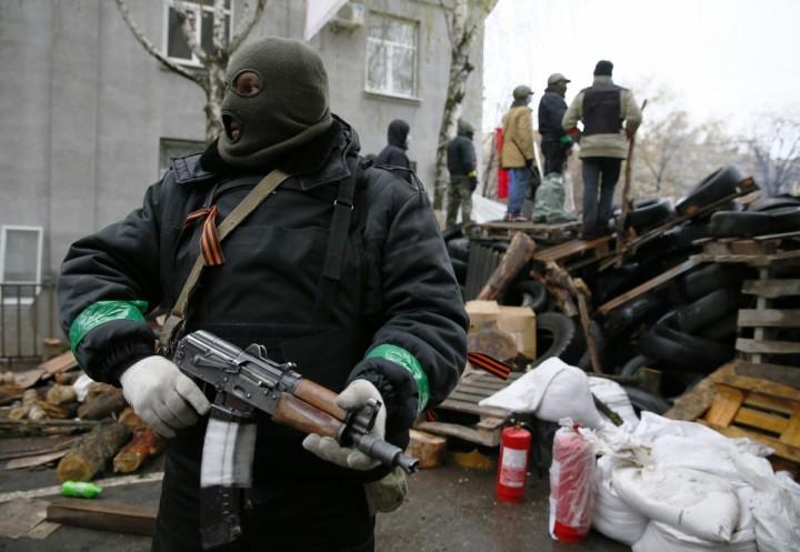 armed-man-eastern-ukraine