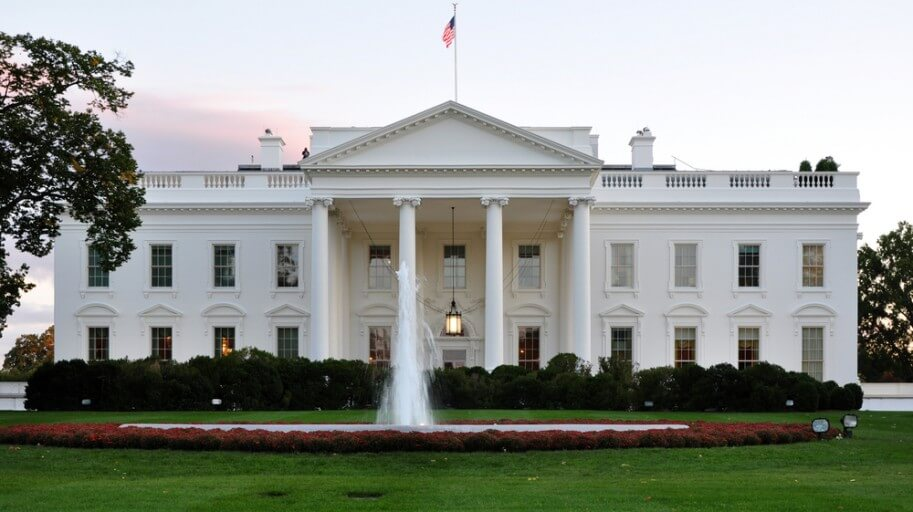 White house strengthening fence to keep out undocumented visitors