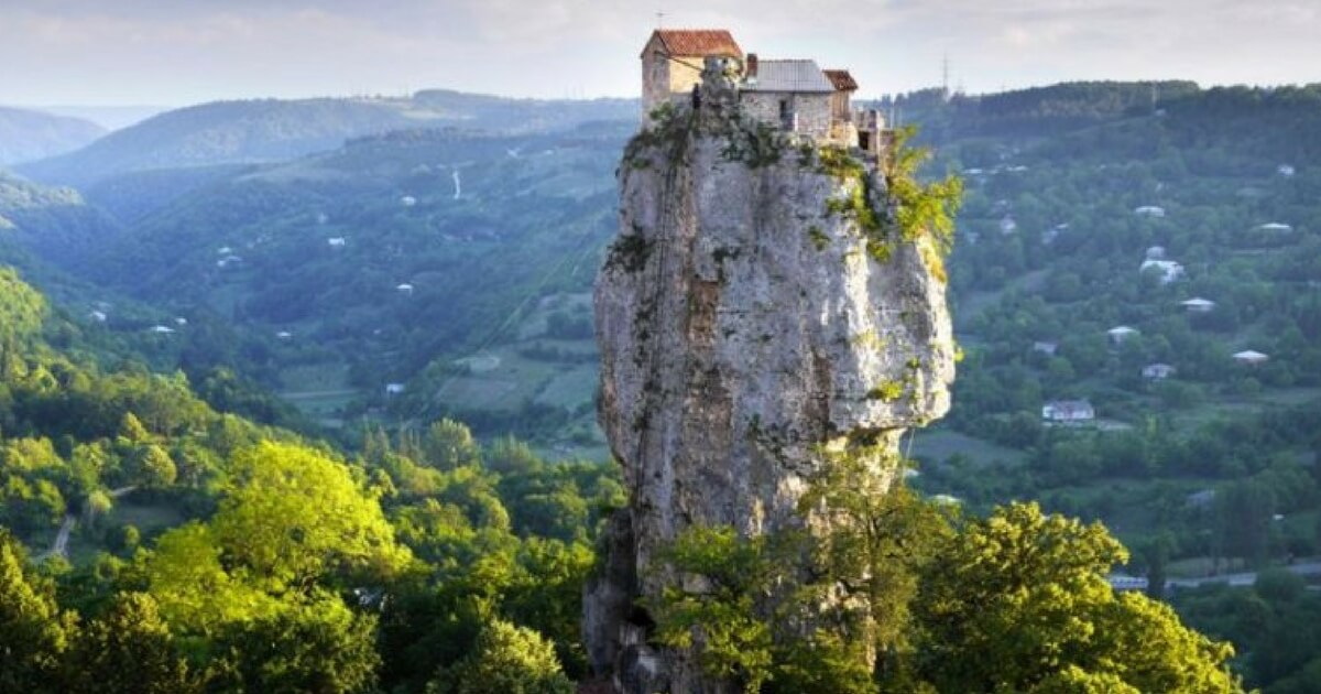 Meet the Man Who Lives Alone on Top of a 130-Foot Tall Rock