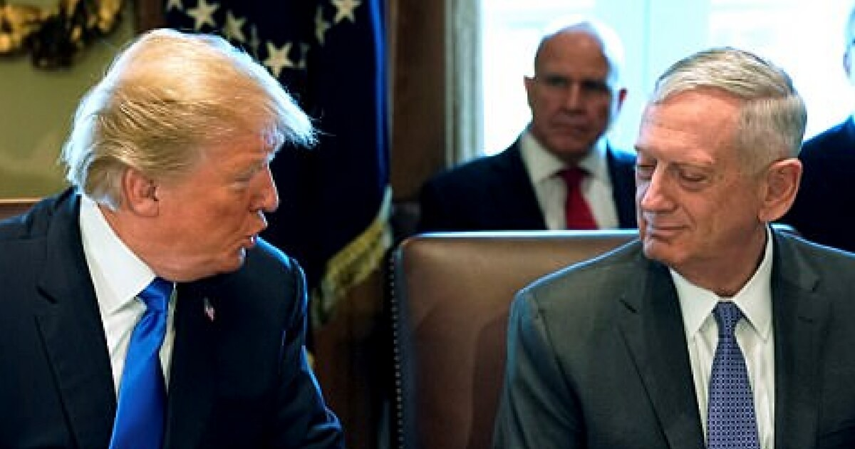 Donald_Trump,_Sec._Mattis_(1)