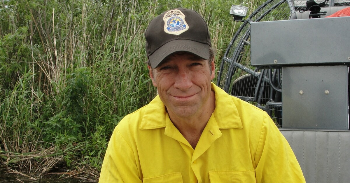 A Woman is Calling for Mike Rowe to Be Fired for Being an 'Ultra-Right Wing Conservative'