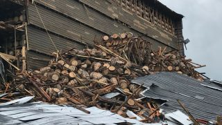 Thousands of barrels of whiskey cracked open when the warehouse of a Kentucky distillery collapsed.