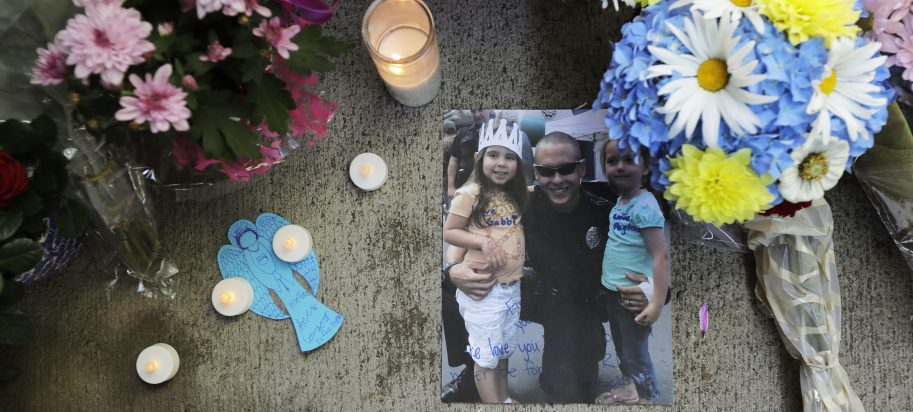 Photo of a memorial for fallen police officer Diego Moreno