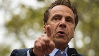 Andrew Cuomo pointing his finger