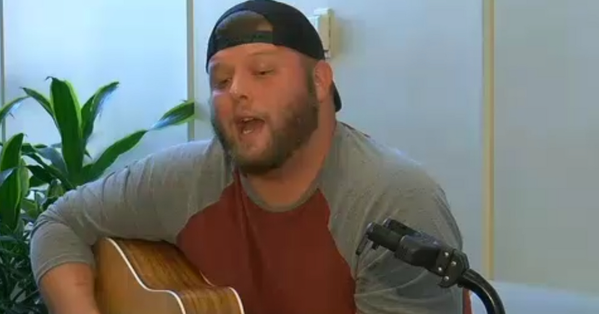 On Anniversary of Mother's Death, Man Sings to Patients Battling Cancer