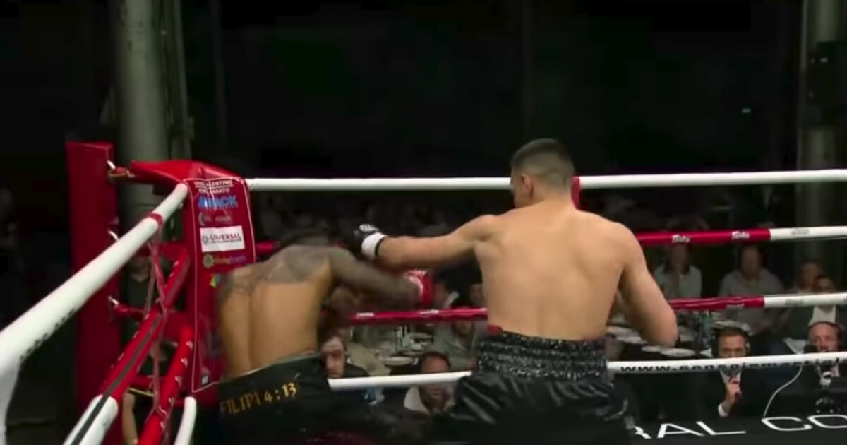 Tim Tszyu defeats Stevie Ferdinandus by TKO