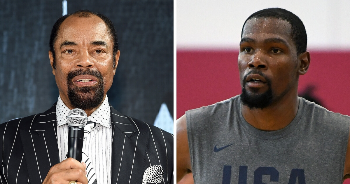 """Walt """"Clyde"""" Frazier, left andKevin Durant, right."""