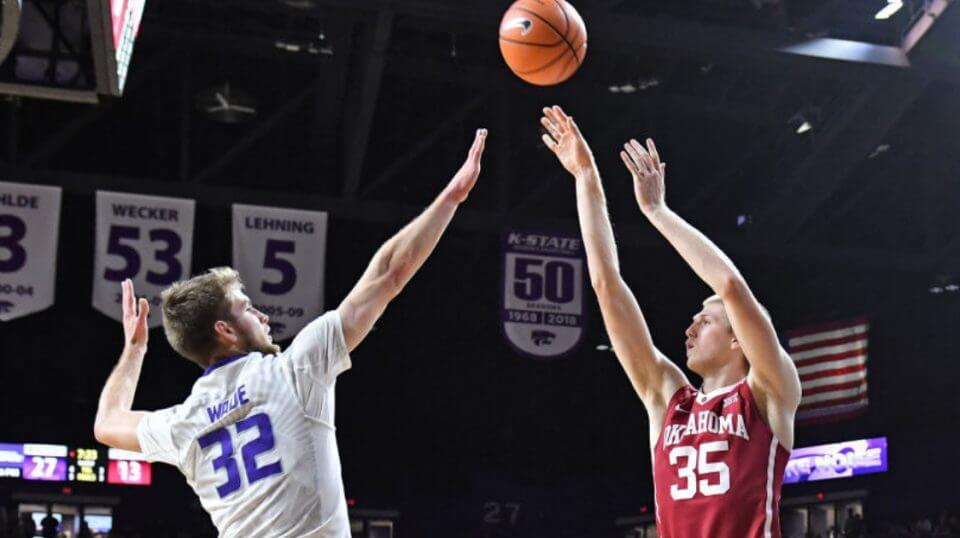 Brady Manek (35) of the Oklahoma Sooners puts a shot up against Kansas State Wildcats during a Big 12 game last season.