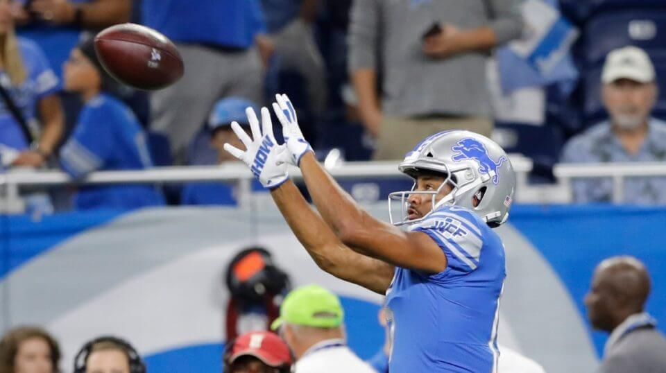 Detroit Lions wide receiver Golden Tate catches a pass during warmups before a preseason game against the Cleveland Browns