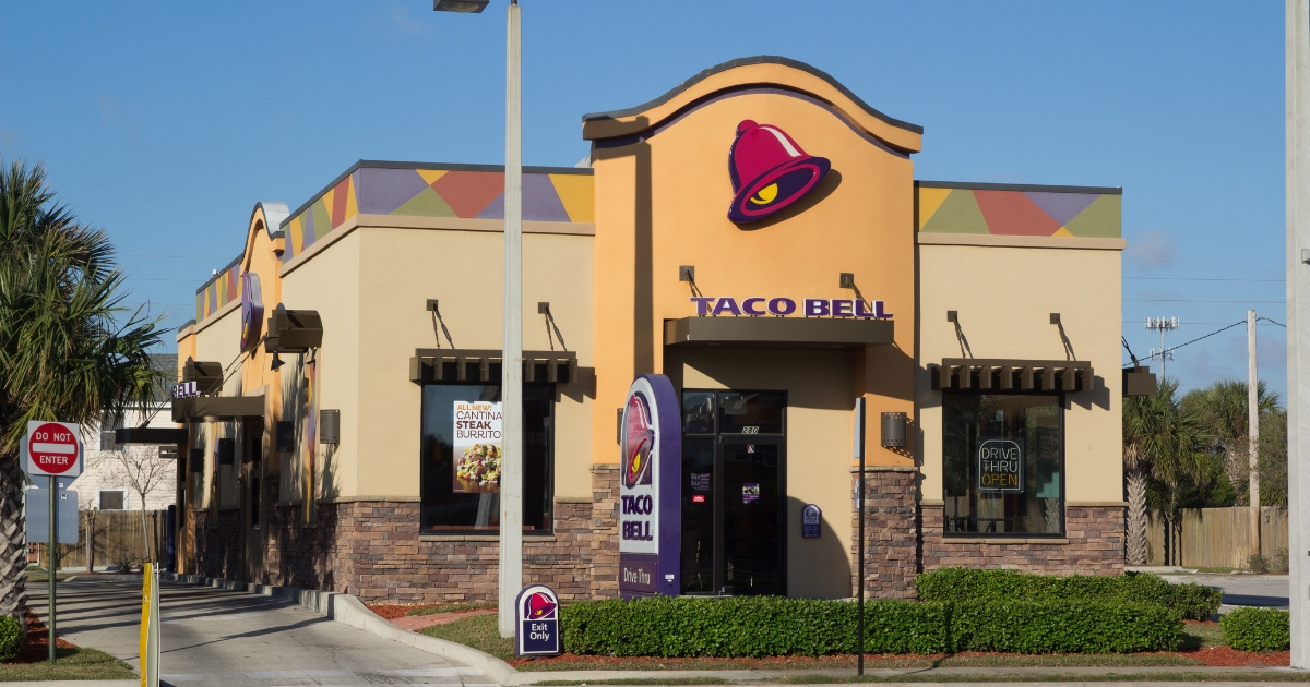 The outside of a Taco Bell store.