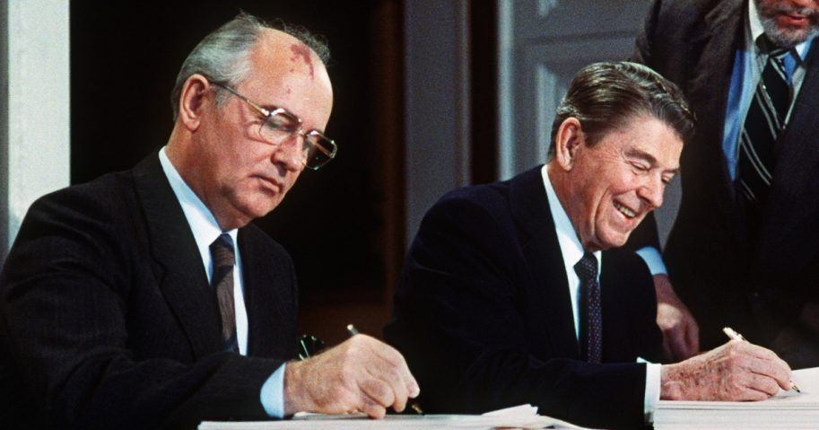 Soviet leader Mikhail Gorbatchev and U.S. President Ronald Reagan sign 08 December 1987 at the Washington summit a treaty eliminating US and Soviet intermediate-range and shorter-range nuke missiles.