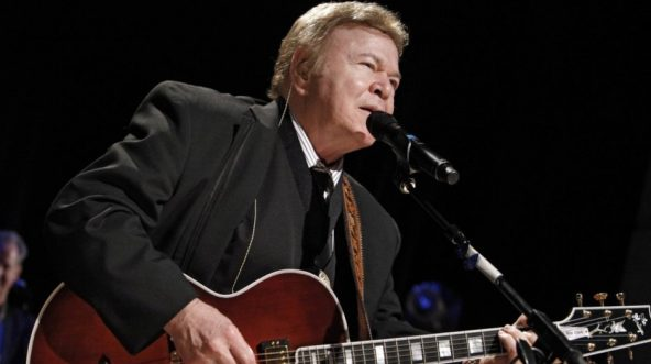 Roy Clark performs at Country Music Hall of Fame