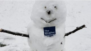 A picture of a snowman that was referred to as a 'snowperson.'