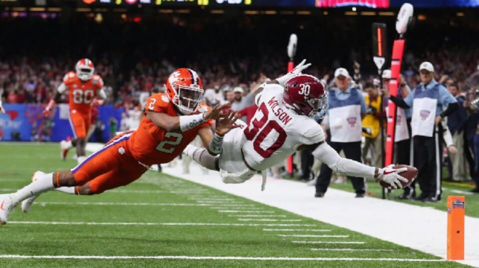 Mack Wilson #30 of the Alabama Crimson Tide scores a touchdown on an interception as Kelly Bryant #2 of the Clemson Tigers defends in the second half of the AllState Sugar Bowl at the Mercedes-Benz Superdome on January 1, 2018 in New Orleans, Louisiana. (Photo by Tom Pennington/Getty Images)