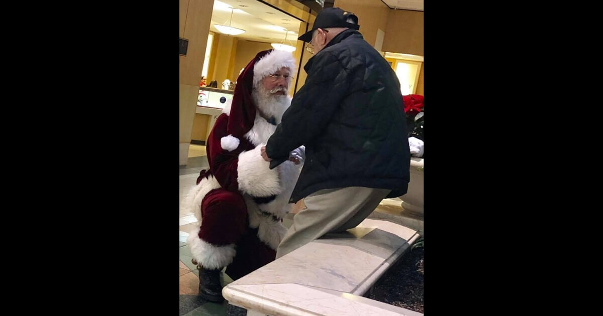 Watch the Interview: Santa Bows on Knee to Thank 93-Year-Old Vet for His Service