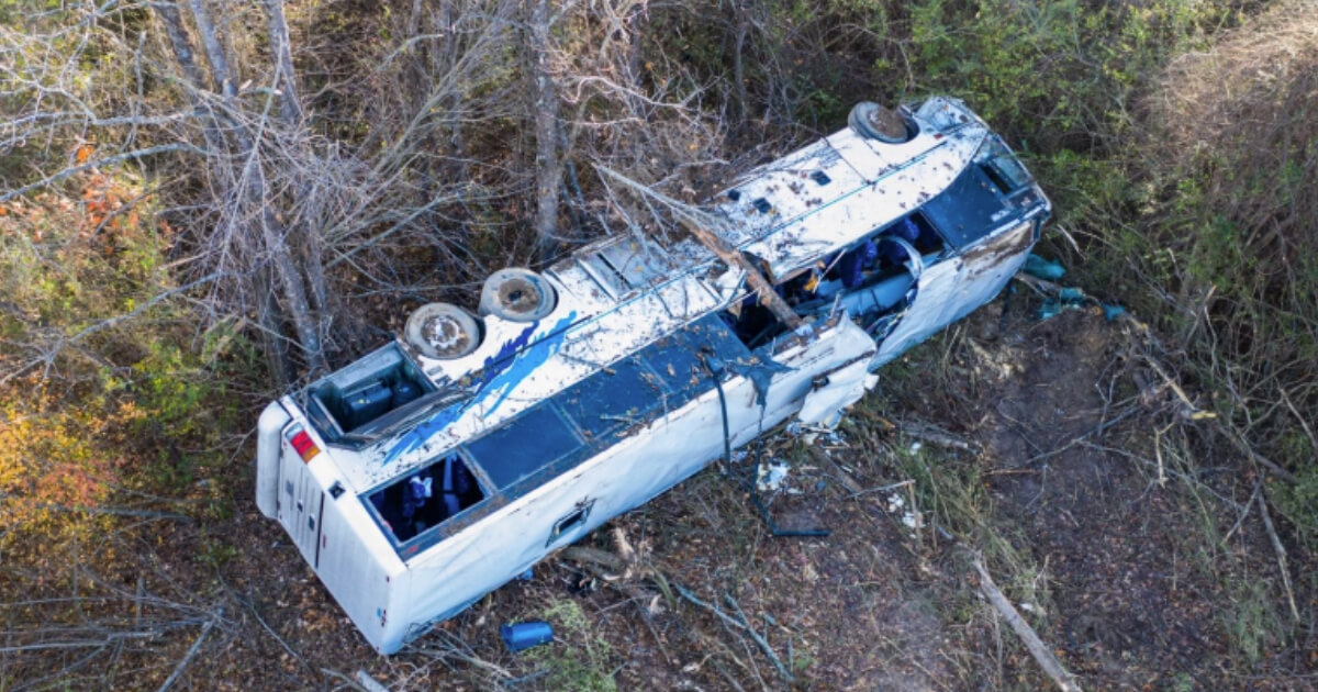 Scene of the deadly bus crash in Tennessee