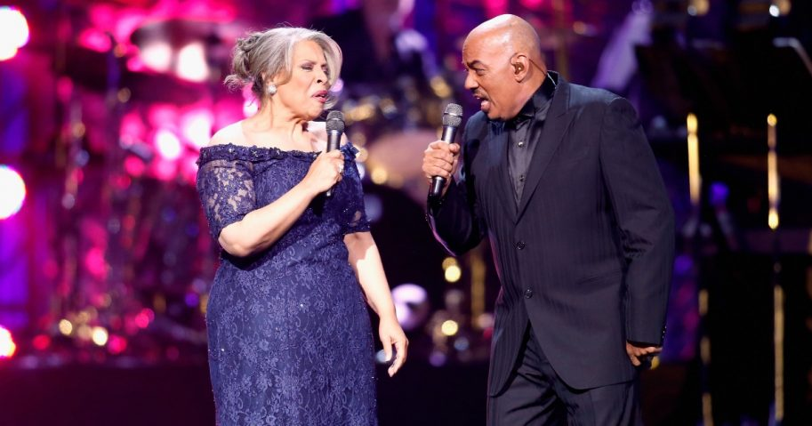 Recording artists Patti Austin (L) and James Ingram perform onstage.