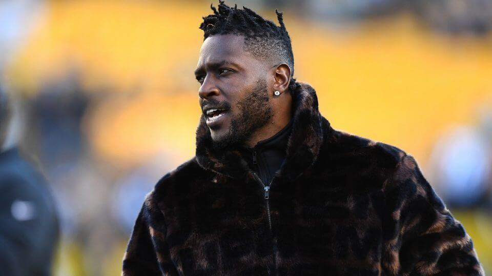 Antonio Brown #84 of the Pittsburgh Steelers looks on during warmups prior to the game against the Cincinnati Bengals at Heinz Field on Dec. 30, 2018 in Pittsburgh, Pennsylvania