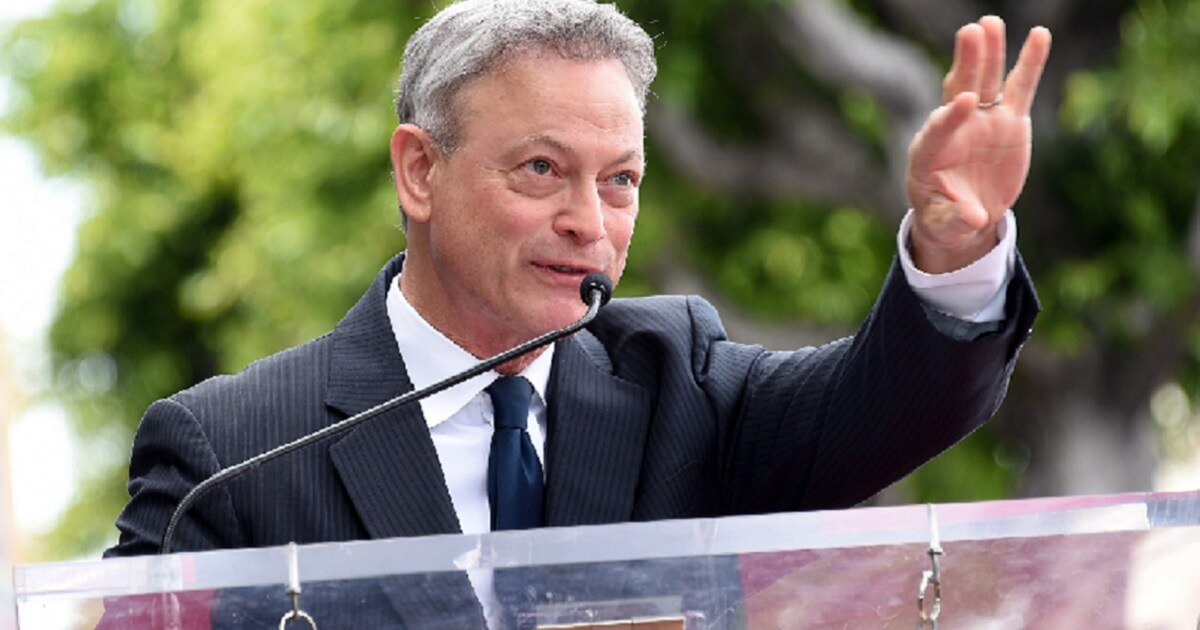 Gary Sinise Continues Incredible Dedication to US Military ...