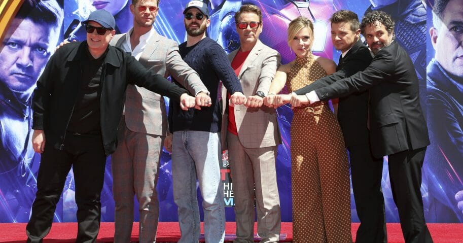 Kevin Feige, Chris Hemsworth, Chris Evans, Robert Downey Jr., Scarlett Johansson, Jeremy Renner, Mark Ruffalo