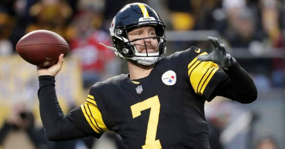 Pittsburgh Steelers quarterback Ben Roethlisberger throws a pass against the New England Patriots on Dec. 16, 2018.