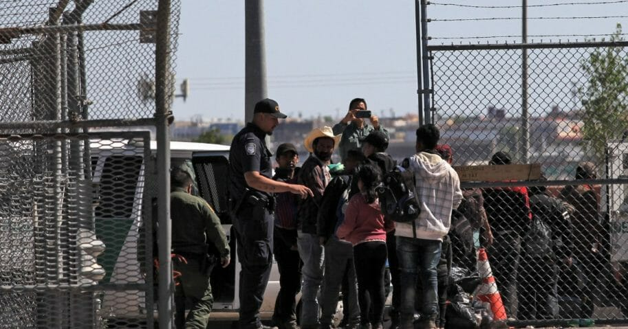 Border Patrol Migrants