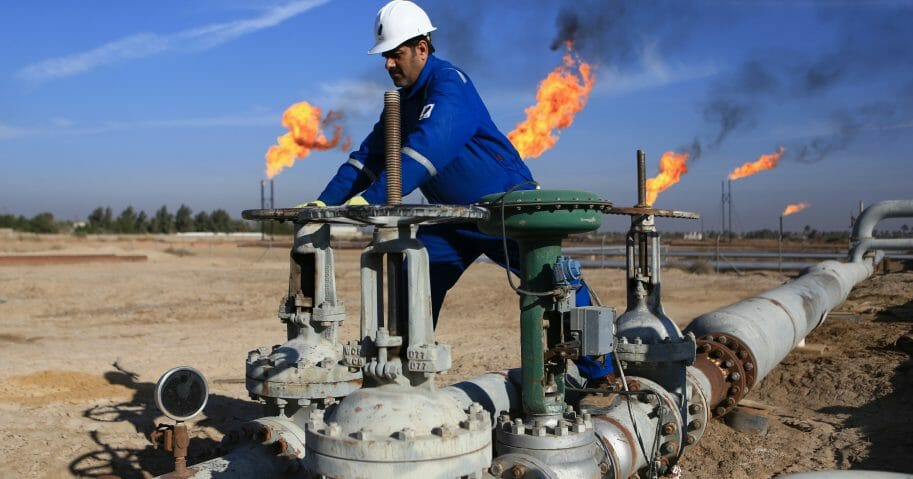ExxonMobil Begins Evacuating Oil Field in Southern Iraq