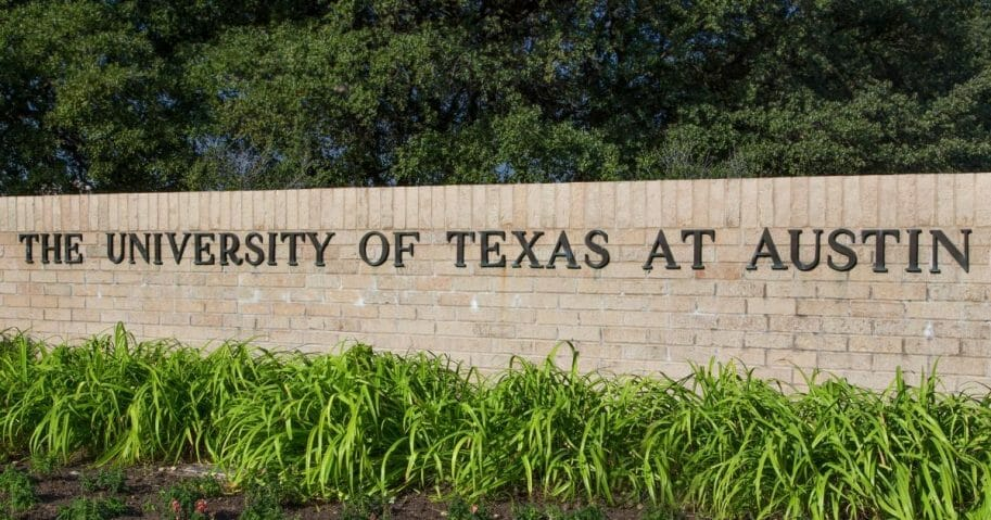 Entrance Sign to the campus of the University of Texas.