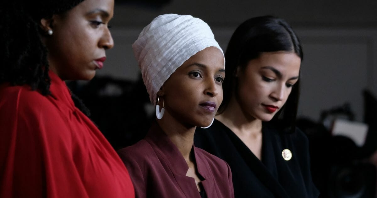 Here's the Hypocrisy of Democrats' Fake Outrage over 'Send Her Back' Chants