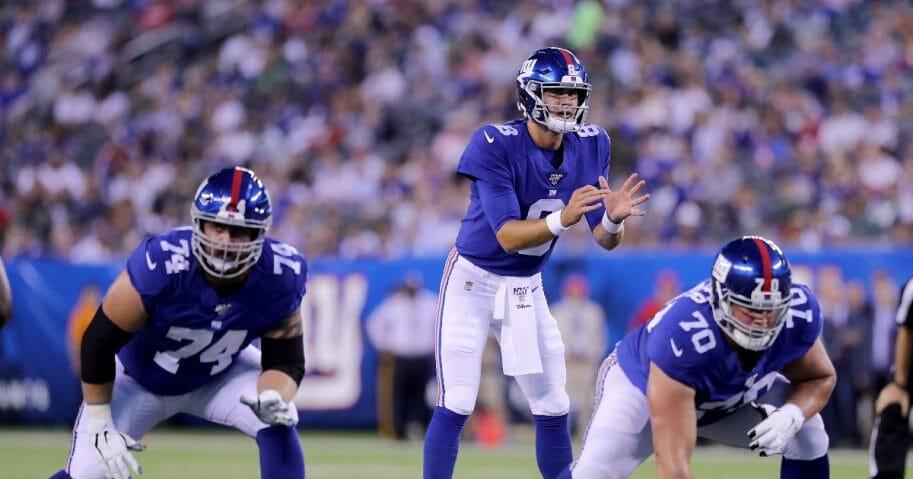 Daniel Jones of the New York Giants calls the play.