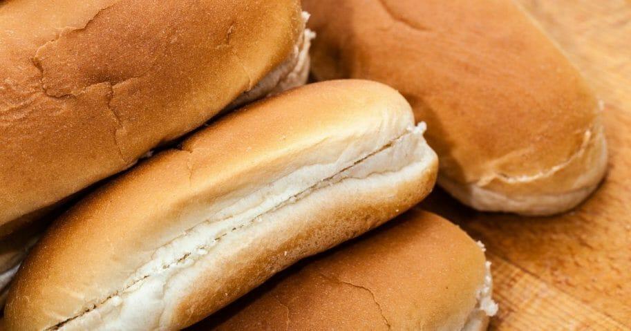 Hot dog buns.