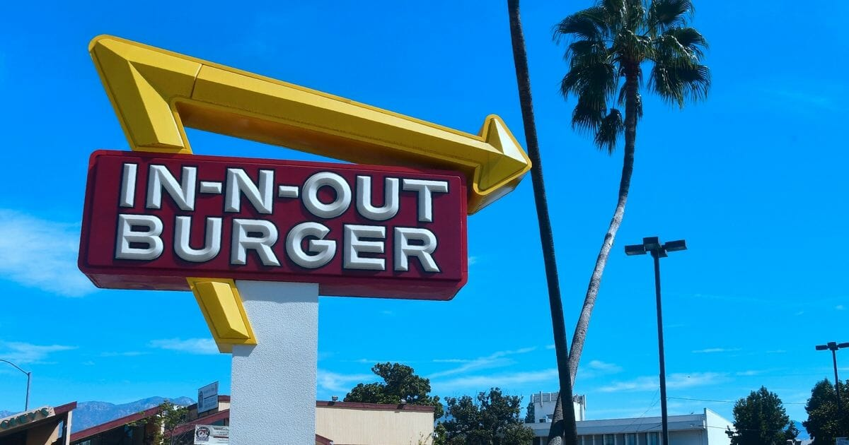 The famous sign for In-N-Out Burger.