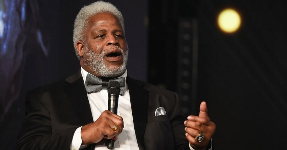 Earl Campbell speaks during the Houston Sports Awards on Feb. 8, 2018, in Houston, Texas.