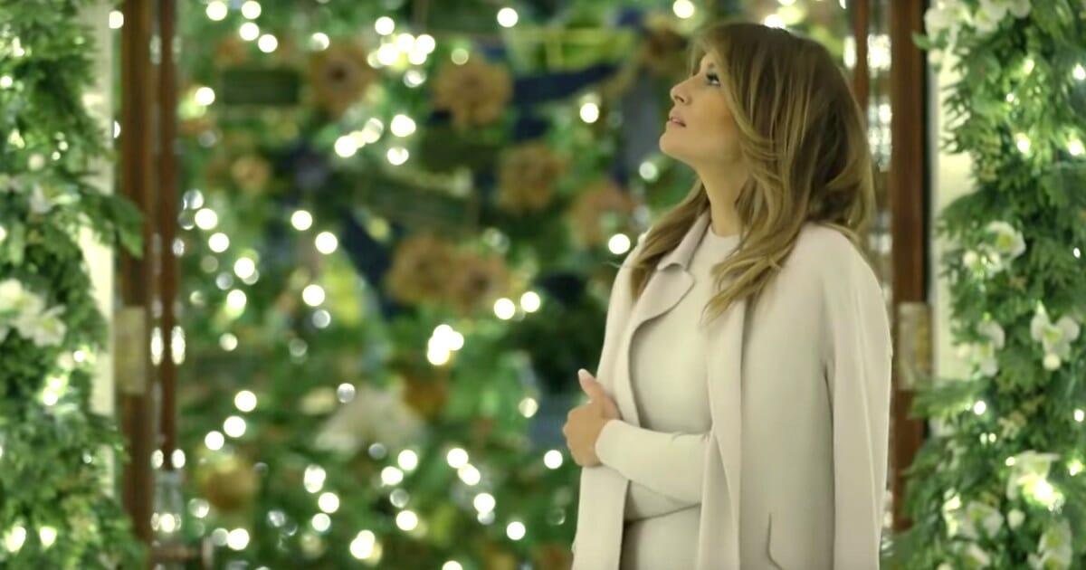 White House Christmas Tour 2020.Melania Trump Shares Tour Of White House Christmas