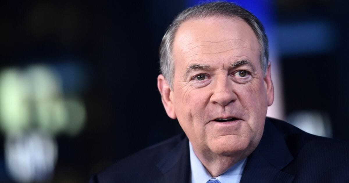 Huckabee: Too Bad Romney's Not President -- Then He Could Be Impeached