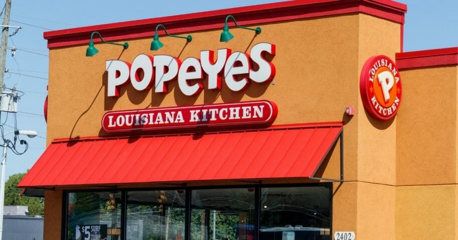 """Eve Dubois has been offered $10,000 worth of Popeyes chicken after her answer on """"Family Feud Canada."""""""