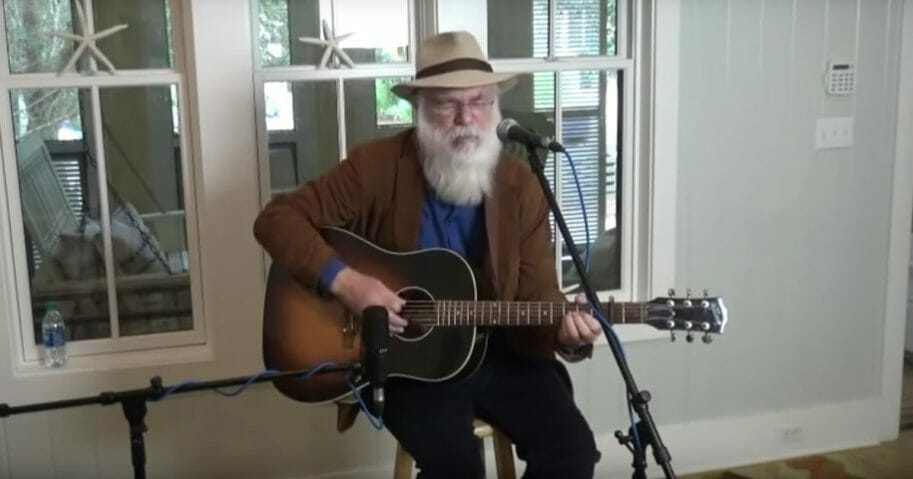 Singer-songwriter David Olney died during a live performance on Saturday.
