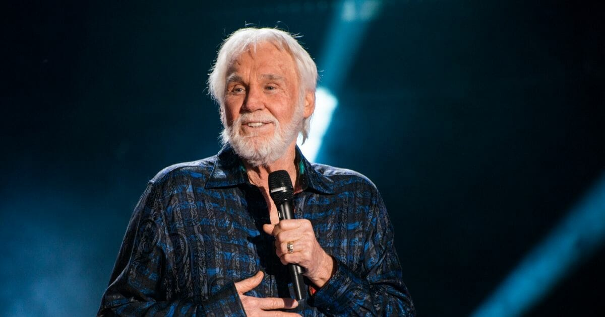 Singer Kenny Rogers performs