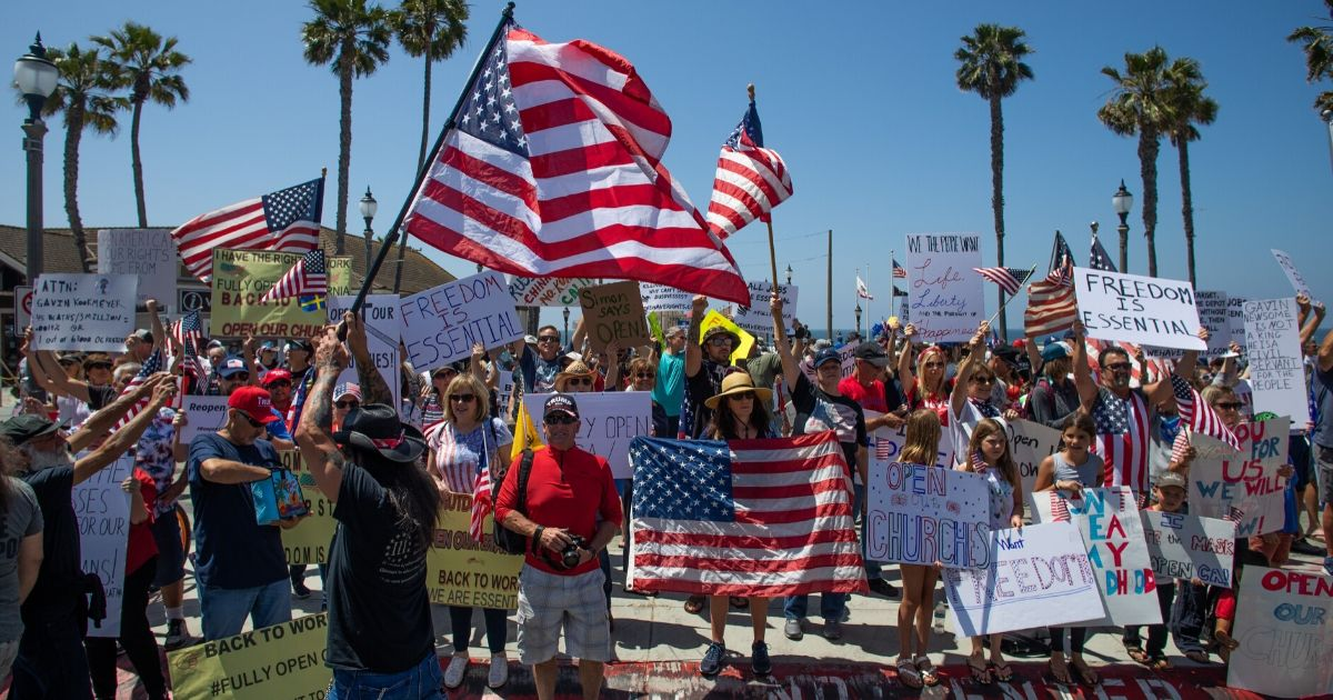 California-protesters-2.jpg